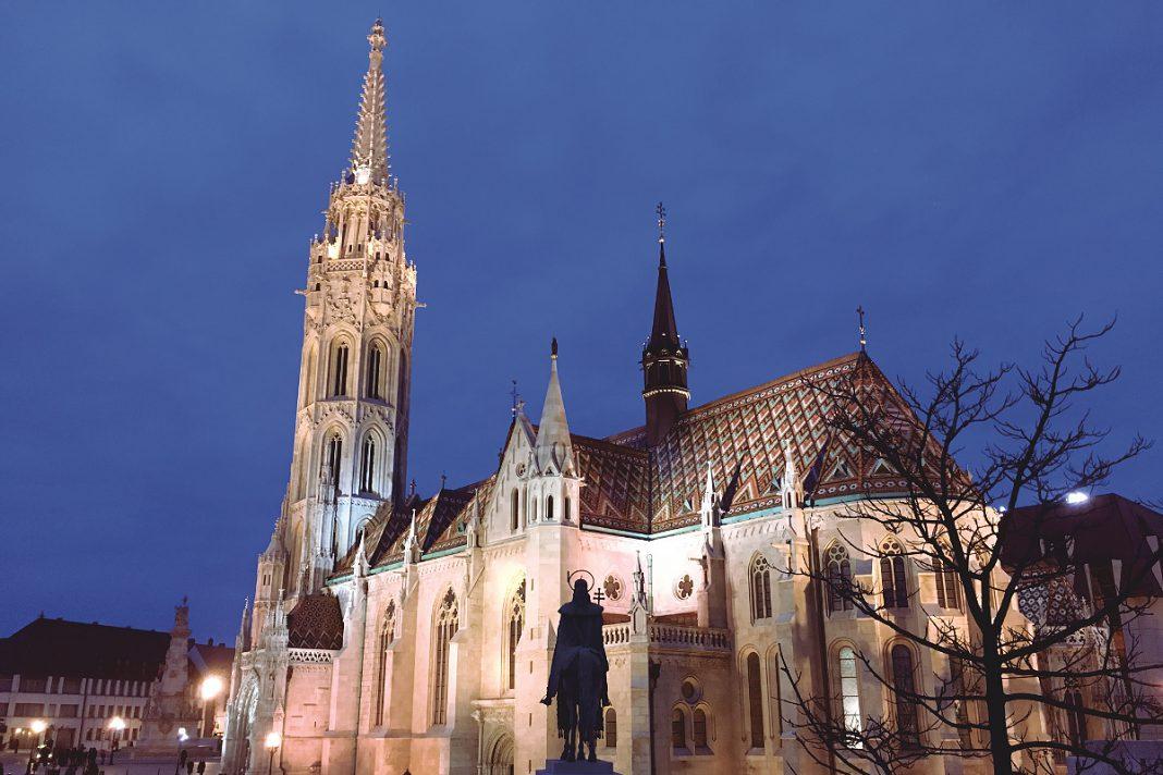 Budapest zu Fuß erkunden Matthiaskirche